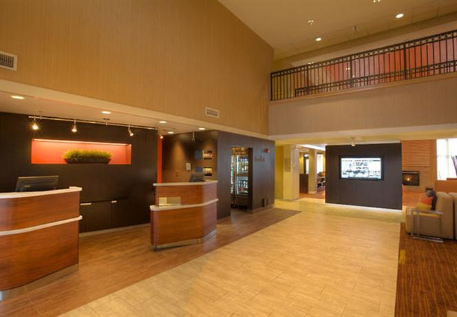 Photo 3 - Courtyard by Marriott Springfield Airport