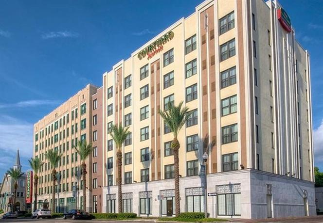 Photo 1 - Courtyard by Marriott St. Petersburg Downtown