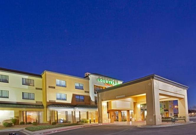 Photo 1 - Courtyard by Marriott El Paso Airport