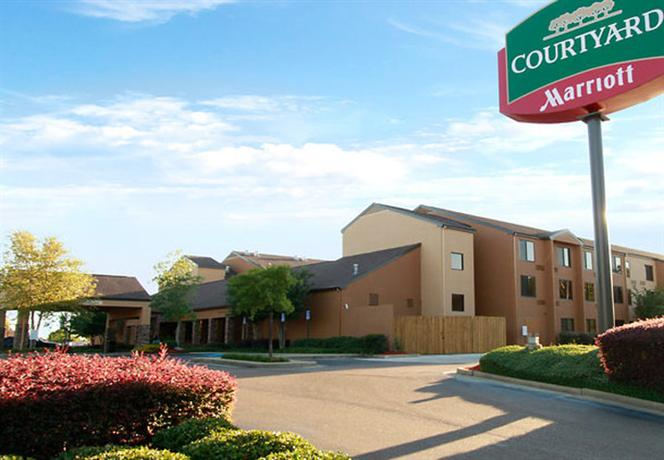 Photo 1 - Courtyard by Marriott Jackson
