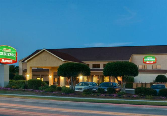 Photo 1 - Courtyard by Marriott Wilmington-Wrightsville Beach