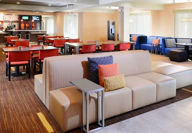 Photo 3 - Courtyard by Marriott Fort Worth Fossil Creek