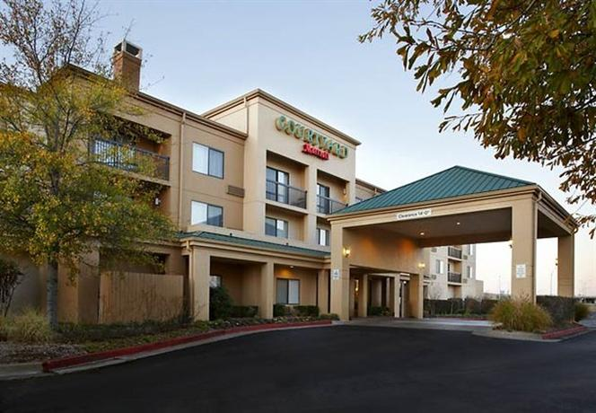 Photo 1 - Courtyard by Marriott Tulsa Central