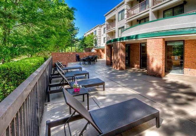 Photo 3 - Courtyard Memphis Germantown