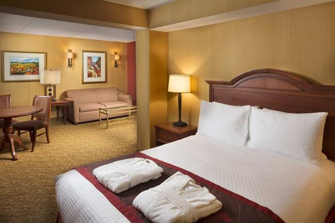 Photo 3 - Doubletree Hotel Biltmore Asheville