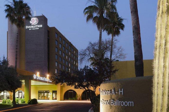 Photo 2 - Doubletree by Hilton Tucson - Reid Park
