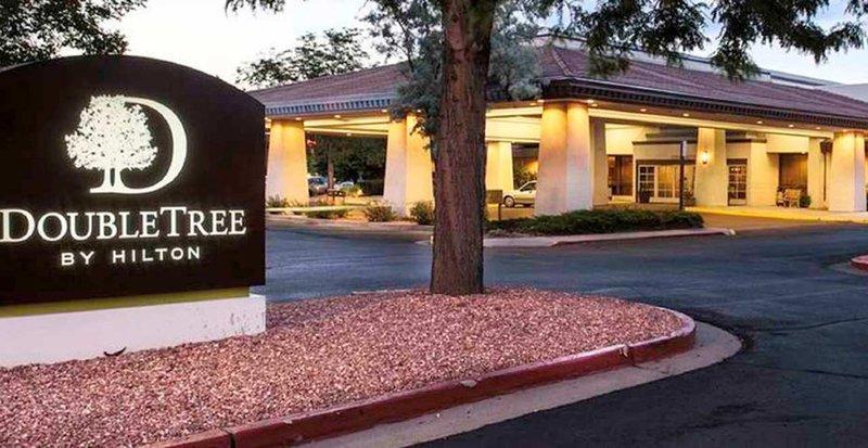 Photo 1 - DoubleTree by Hilton Hotel Colorado Springs