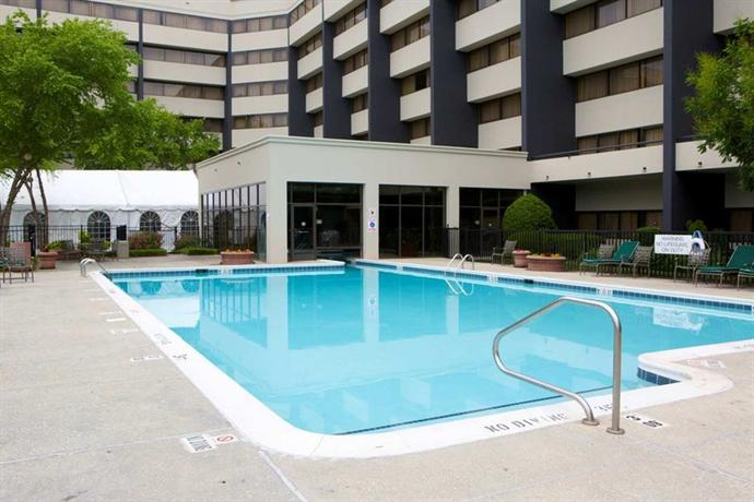 Photo 3 - DoubleTree Suites by Hilton Raleigh-Durham