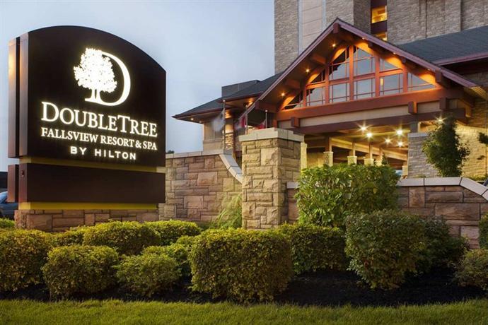 Photo 2 - DoubleTree Fallsview Resort & Spa by Hilton - Niagara Falls