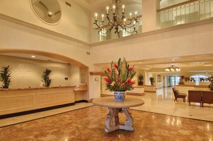 Photo 2 - DoubleTree by Hilton Hotel San Pedro