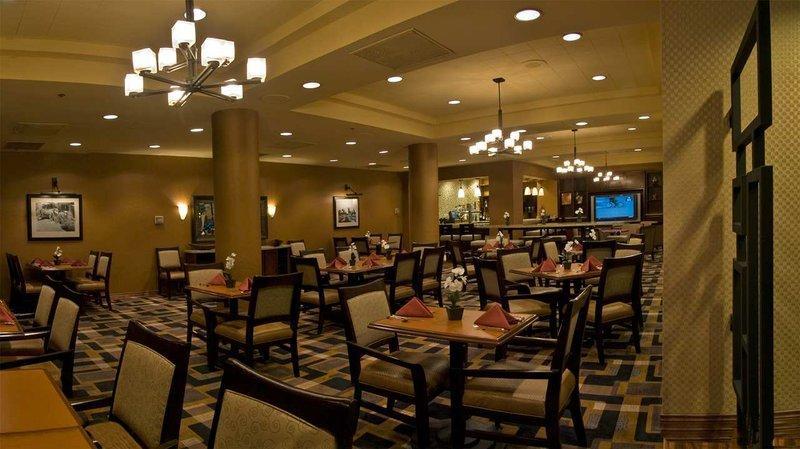 Photo 3 - Embassy Suites Hotel San Antonio International Airport