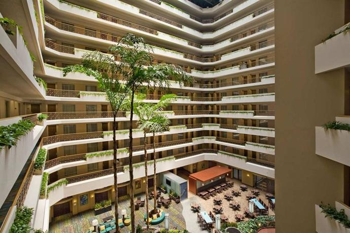 Photo 2 - Embassy Suites San Diego - La Jolla