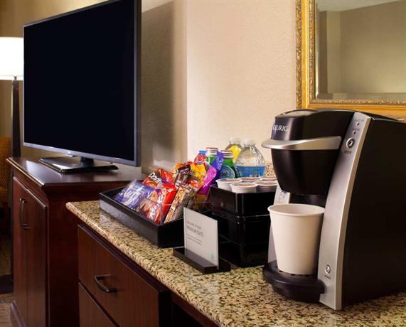 Photo 2 - Embassy Suites Hotel Austin / Arboretum