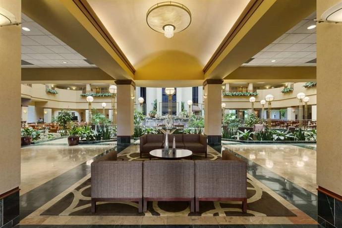 Photo 3 - Embassy Suites Hotel Portland-Airport