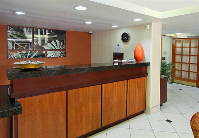 Photo 3 - Fairfield Inn Scottsdale North