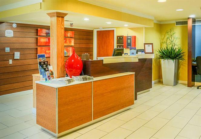 Photo 2 - Fairfield Inn Marriott Cross Creek Mall