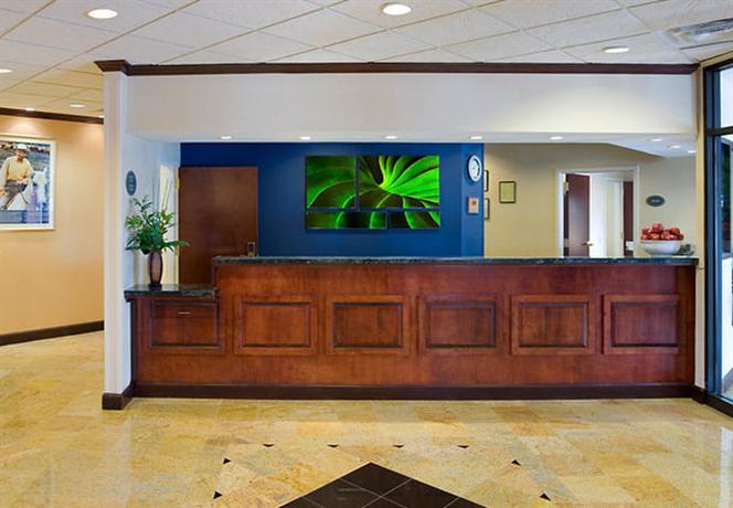 Photo 2 - Fairfield Inn & Suites Atlanta Airport North