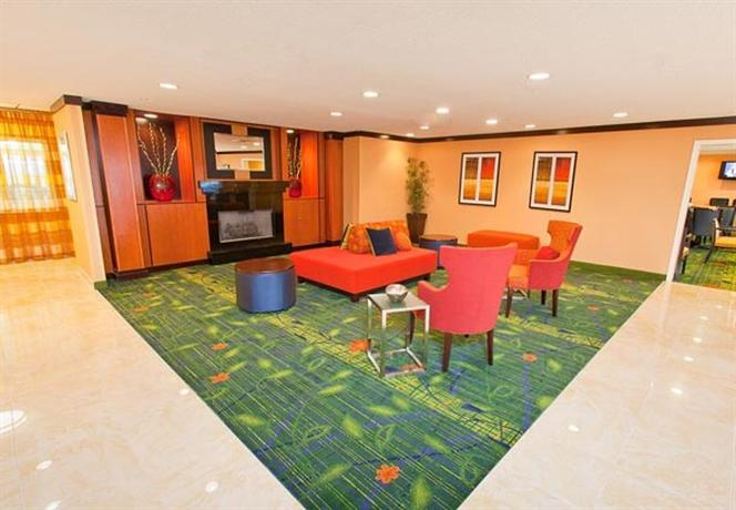 Photo 3 - Fairfield Inn & Suites Memphis East