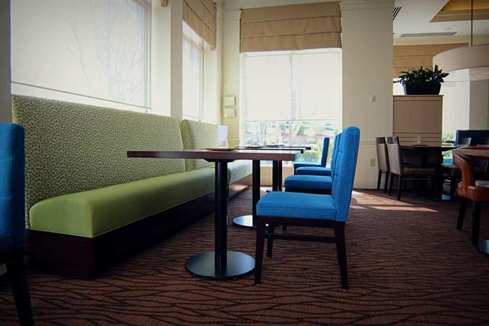 Photo 2 - Hilton Garden Inn Charlotte North