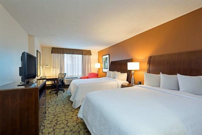 Photo 2 - Hilton Garden Inn Orlando at SeaWorld