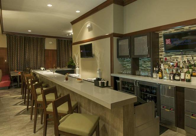 Photo 2 - Hilton Garden Inn Evanston