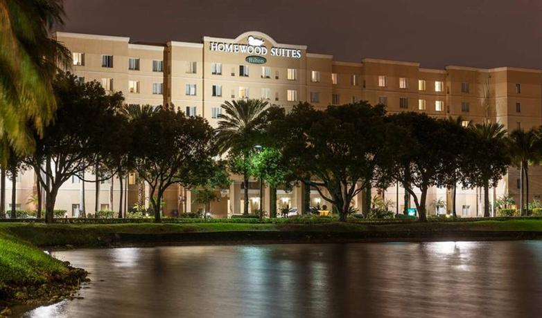 Photo 3 - Homewood Suites Miami Airport Blue Lagoon