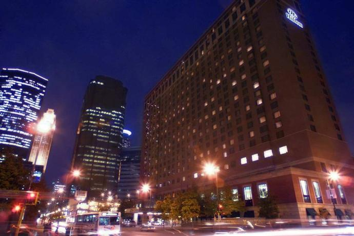 Photo 2 - Hilton Minneapolis