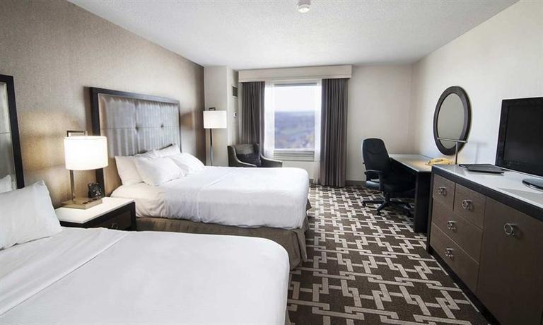 Photo 2 - Hilton Hotel and Suites Niagara Falls Fallsview