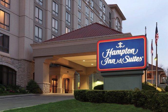 Photo 1 - Hampton Inn & Suites Country Club Plaza