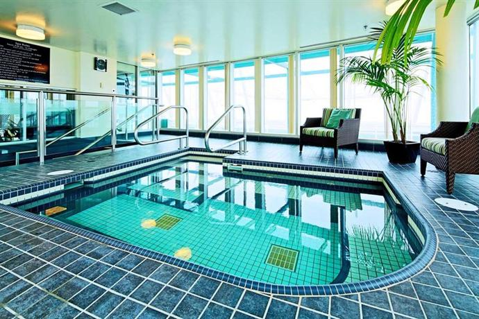 Photo 2 - Hampton Inn & Suites Downtown Vancouver