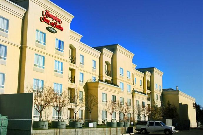 Photo 1 - Hampton Inn & Suites by Hilton Calgary University NW