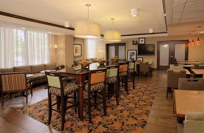 Photo 3 - Hampton Inn I-26 Biltmore Square