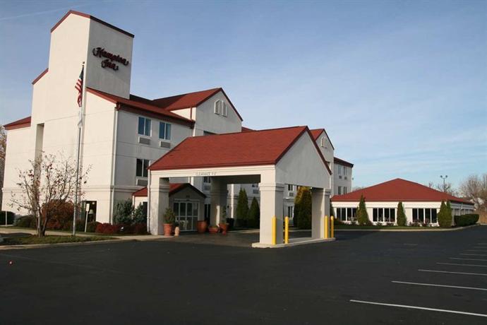 Photo 2 - Hampton Inn Sandusky-Central