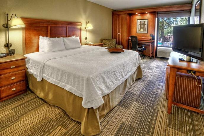 Photo 3 - Hampton Inn Memphis-Poplar