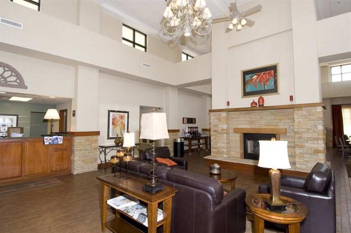 Photo 2 - Hampton Inn & Suites Springfield