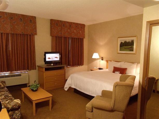 Photo 3 - Humphry Inn & Suites Winnipeg