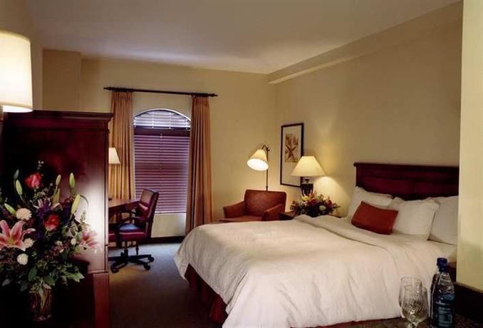Photo 3 - Hampton Inn & Suites Austin Downtown