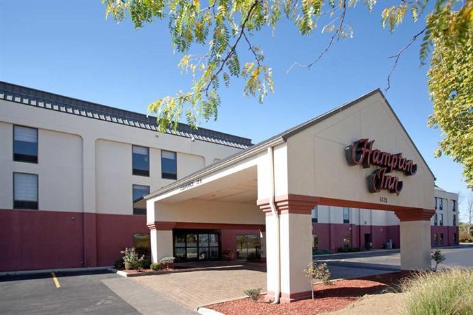 Photo 2 - Hampton Inn Cincinnati - Kings Island