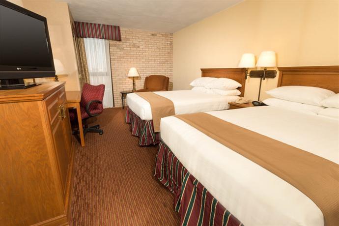 Photo 2 - Drury Inn & Suites San Antonio Northeast