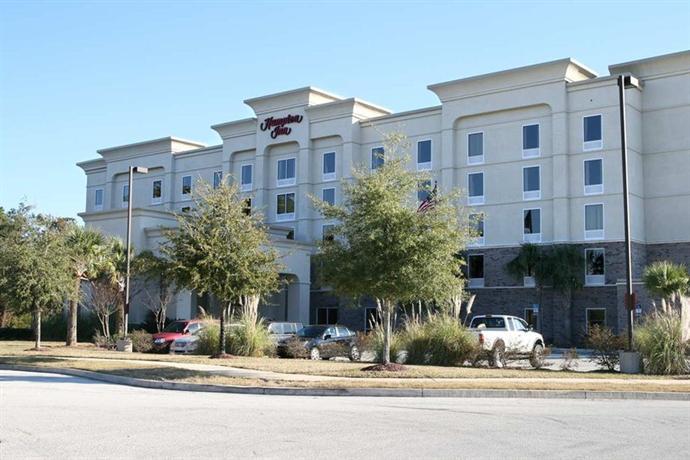 Photo 1 - Hampton Inn Jacksonville East Regency Square