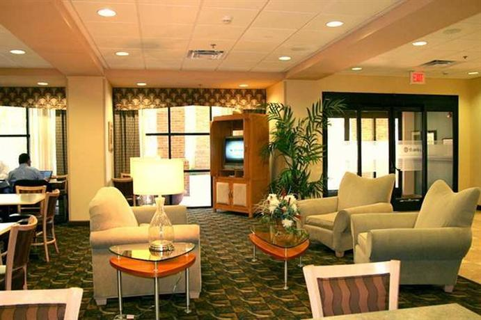 Photo 3 - Hampton Inn Birmingham I-65 Lakeshore Drive