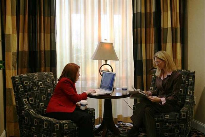 Photo 3 - Hampton Inn & Suites Jacksonville-Airport