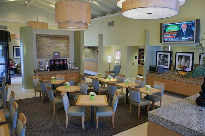 Photo 3 - Hampton Inn and Suites Houston Medical Center - Reliant Park