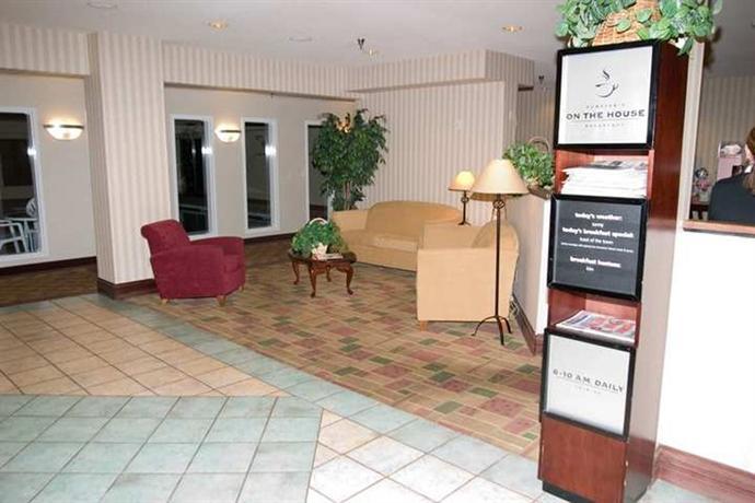 Photo 3 - Hampton Inn Colorado Springs Airport