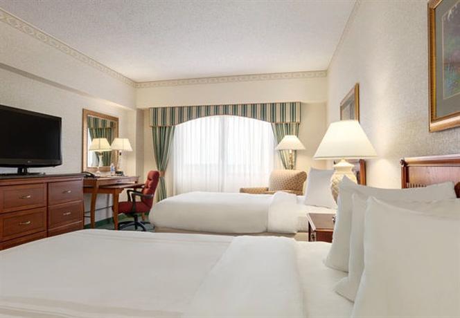Photo 2 - Marriott Cedar Rapids