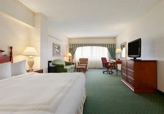 Photo 3 - Marriott Cedar Rapids