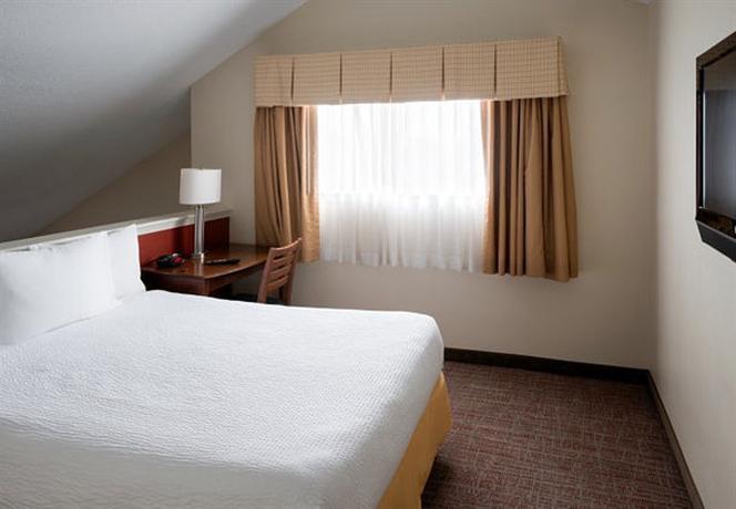 Photo 3 - Residence Inn Kansas City Downtown/Union Hill