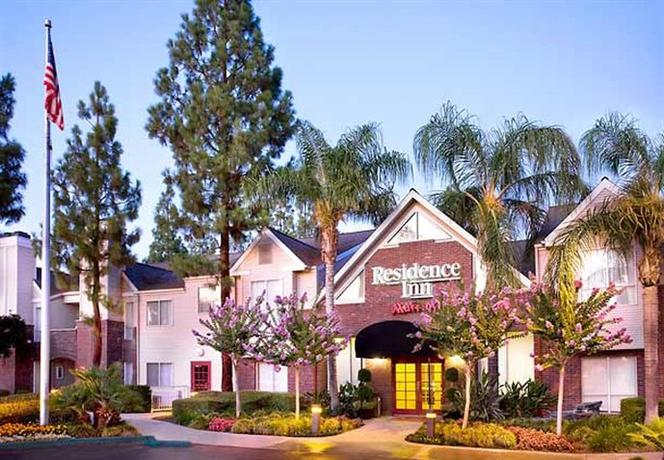 Photo 1 - Residence Inn Bakersfield