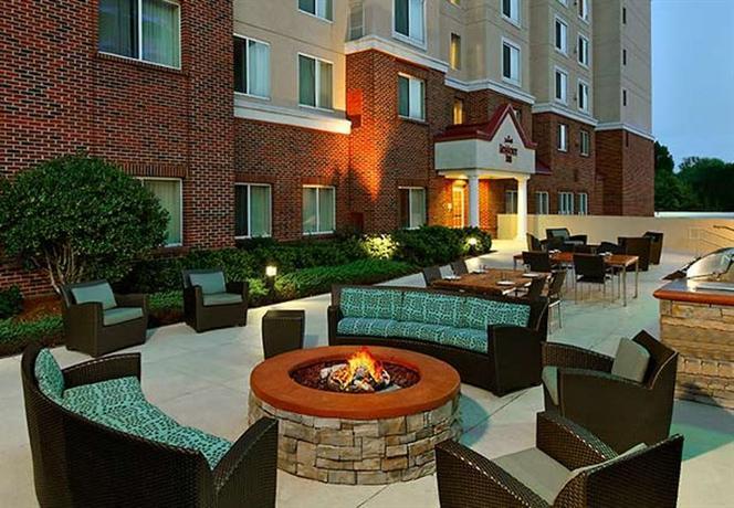 Photo 2 - Residence Inn Charlotte SouthPark