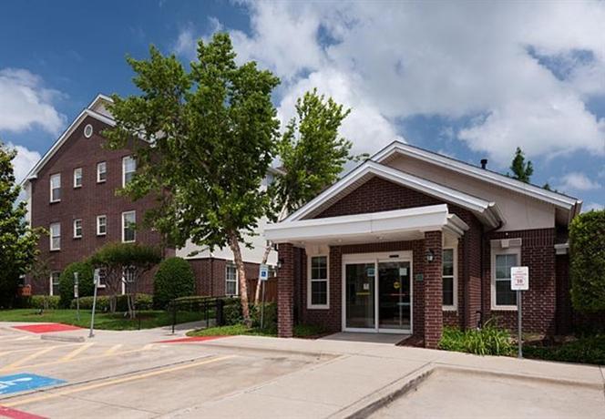 Photo 2 - TownePlace Suites Arlington
